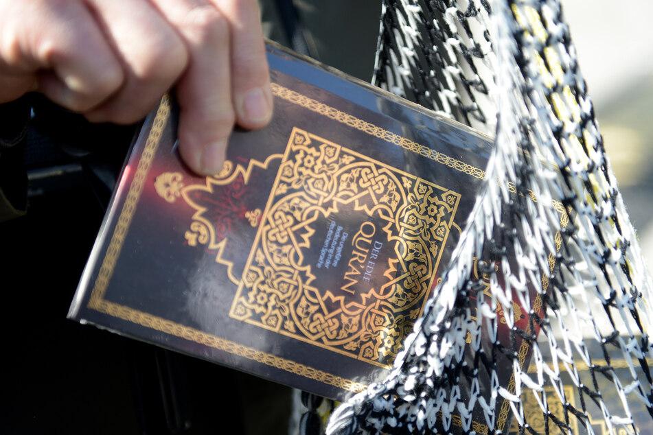 Deshalb bleibt das Verteilen des Korans in Hamburg verboten