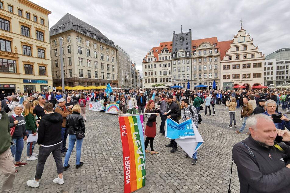 Mehrere hundert Menschen versammelten sich in der Innenstadt.