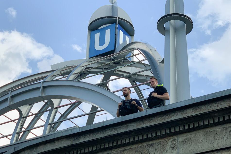 Die alarmierten Beamten stellten den mutmaßlichen Angreifer am Nollendorfplatz. (Archivbild)