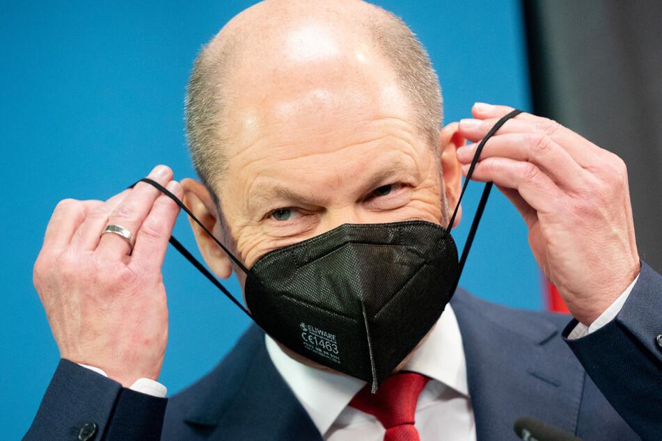 Vizekanzler und Bundesfinanzminister Olaf Scholz (62, SPD)befürwortet einheitliche und gesetzliche Corona-Regeln.