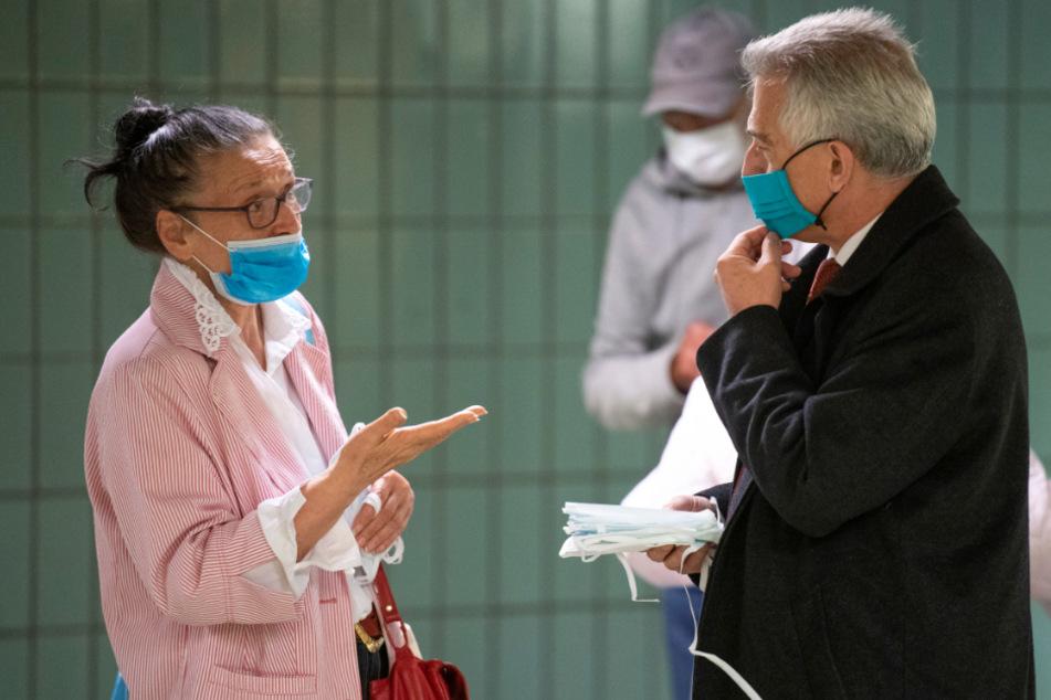 Maskenpflicht in Frankfurt: 10.000 Mund-Nase-Bedeckungen werden verteilt