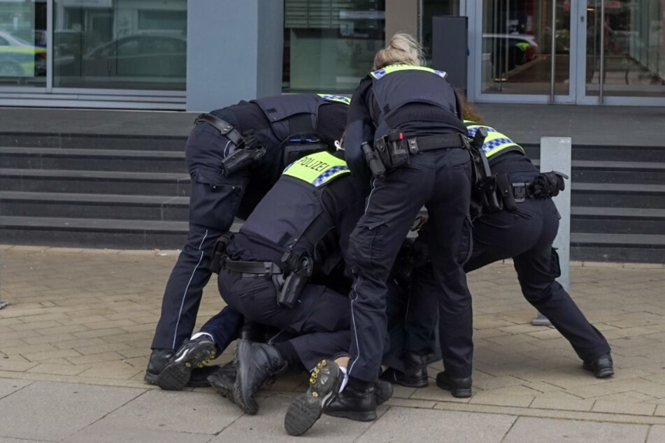 Hamburg: Polizei verhindert irre Snapchat-Schlägerei in Hamburg