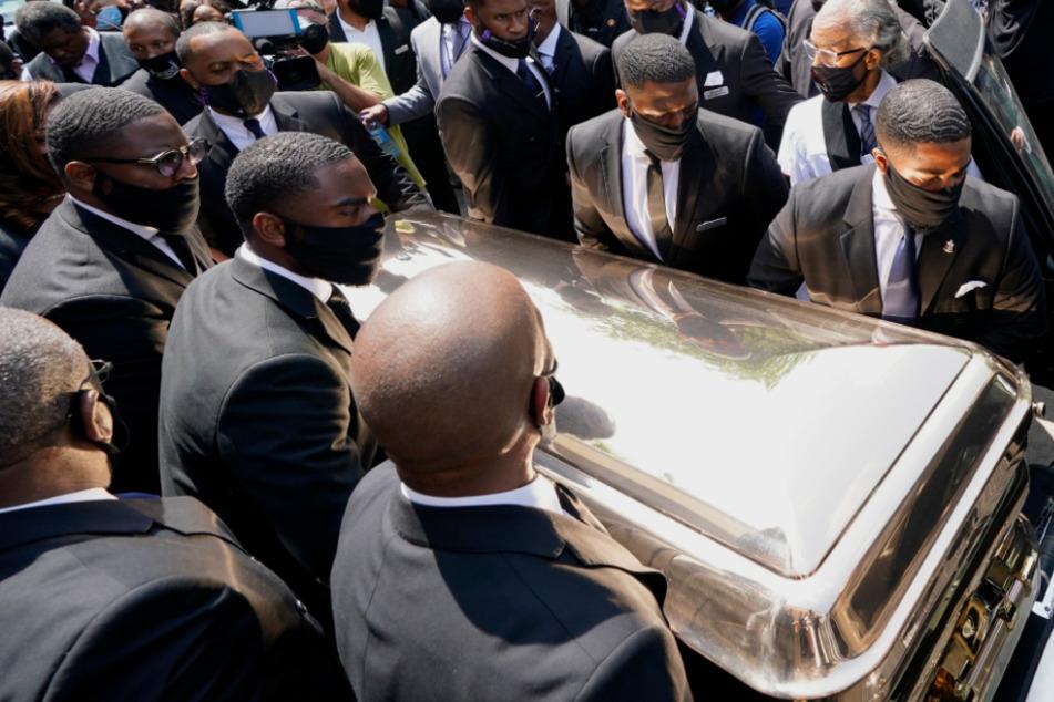 George Floyd: Nach Beisetzung in goldenem Sarg: Tiefe Wunden bleiben bestehen