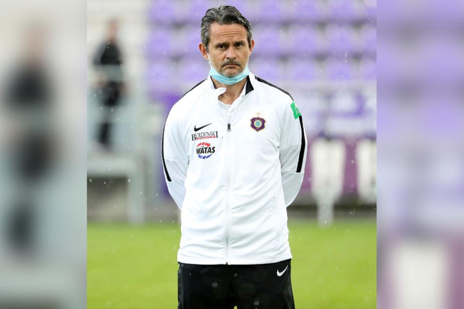 FCE-Coach Dirk Schuster ist heute zum Rotieren gezwungen.