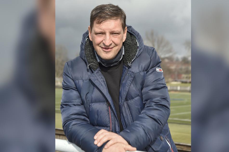 Fußballmuseums-Chef Jens Genschmar (51) hat die Geschichte des beliebten Sports in Dresden erforscht.