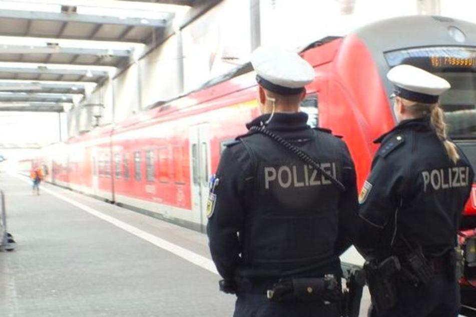 19-Jähriger ohne Ticket verletzt sieben Menschen im Zug