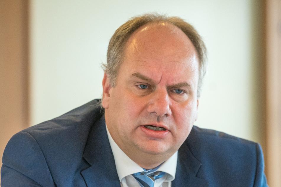 Will bis zum Schluss um den Markt kämpfen: OB Dirk Hilbert (49, FDP).