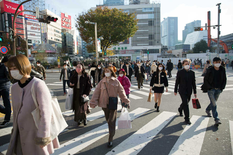 Japan is aiming to connect traffic lights to pedestrians' smartphones