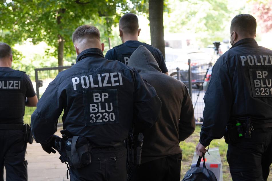 Zwei Bundespolizisten erlitten leichte Verletzungen, hieß es. (Symbolbild)