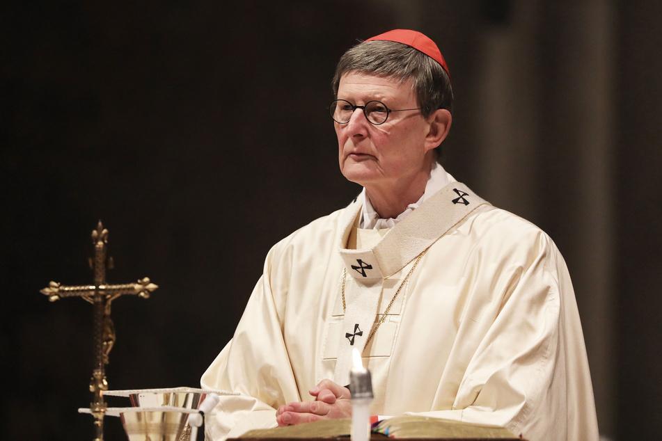 Kardinal Rainer Maria Woelki (64) steht wegen eines zurückgehaltenen Missbrauchsgutachtens weiterhin heftig unter Beschuss.
