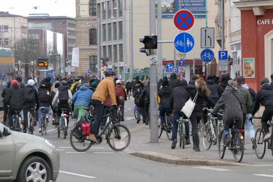 Die Kundgebung am Augustusplatz wurde vom Veranstalter für beendet erklärt.