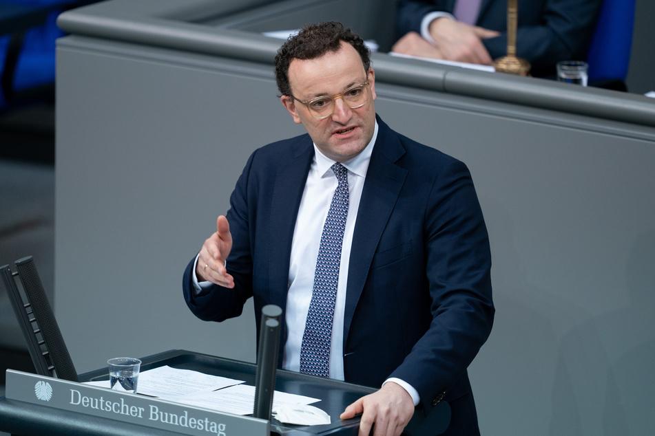 Bundesgesundheitsminister Jens Spahn (40, CDU), spricht am Donnerstag bei der 215. Sitzung des Bundestags.