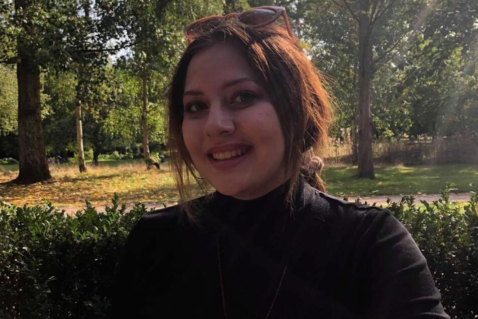 Simone Norowzian (21) war so betrunken, dass sie die Klippe hinter dem Geländer nicht wahrnahm.