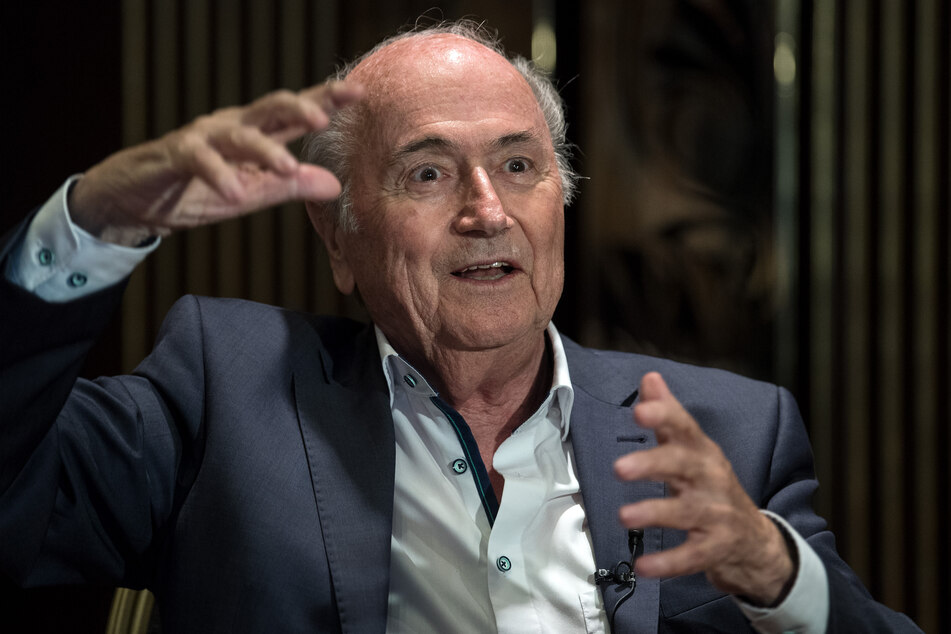 Der langjährige FIFA-Präsident Joseph Blatter ist am Donnerstag in ein Krankenhaus gebracht worden.