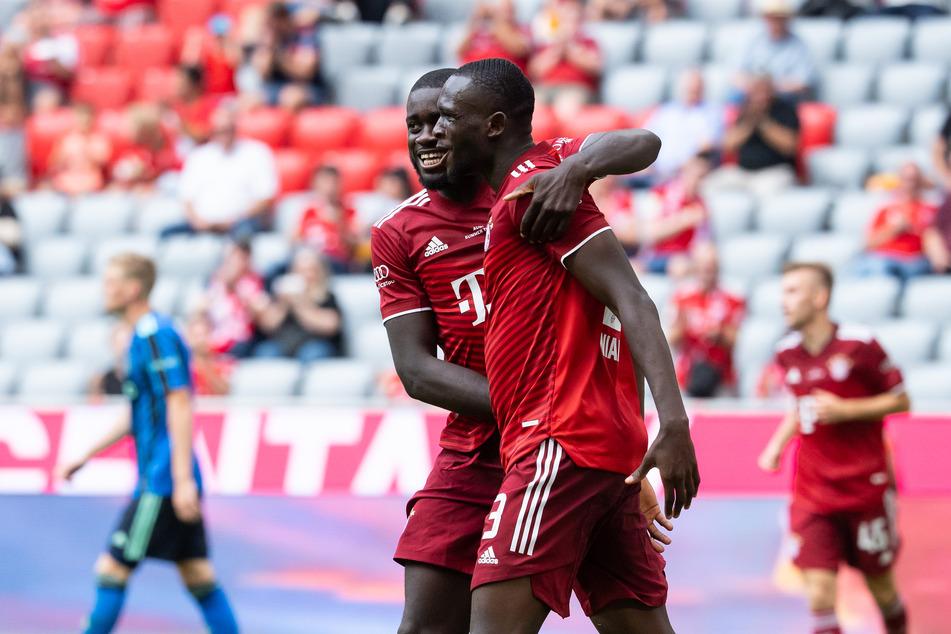 Tanguy Nianzou sorgte mit seinem Kopfball für die zwischenzeitliche 2:1-Führung des FC Bayern München. Am Ende stand ein 2:2-Remis zu Buche.