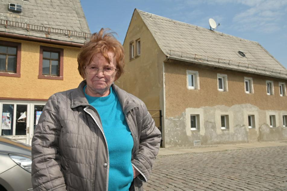 Der Eigentümer des Nachbargrundstücks will seinen Neubau bis an Christine Kretzschmars (74) Haus bauen.