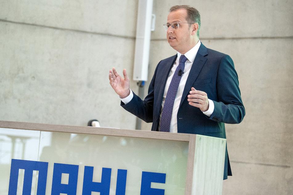 Stuttgart im Mai 2019: Jörg Stratmann (51) auf der Bilanz-Pressekonferenz des Autozulieferers Mahle.