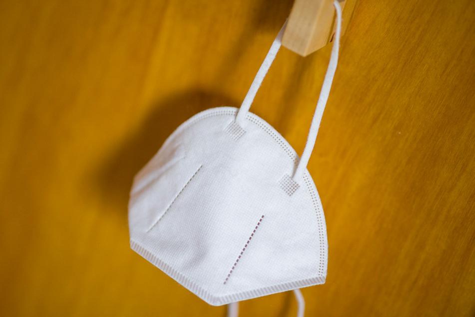 Mehrere Politiker sollen hohe Provisionen in Zusammenhang mit Bestellungen von Atemschutzmasken kassiert haben. (Symbolbild)