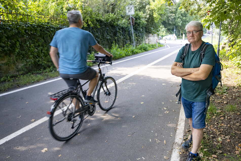Anwohner James Mucha (57) ärgert sich, an den Rand gedrängt zu werden.