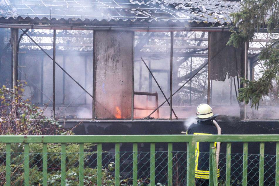 Das Foto zeigt die Brand-Ruine in Friedrichsdorf am Donnerstagmorgen.