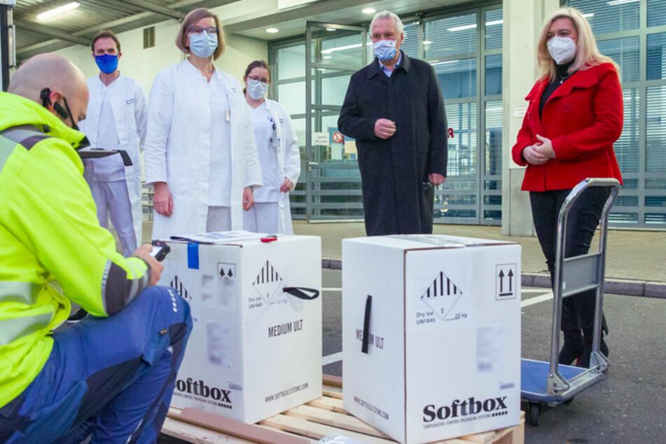 München: Erste Lieferung des neuen Corona-Impfstoffs in Bayern