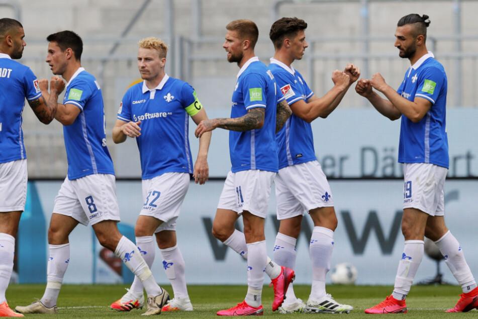Serdar Dursun (r.) erzielte mit seinem Führungstreffer bereits sein 14. Liga-Saisontor für die Lilien.