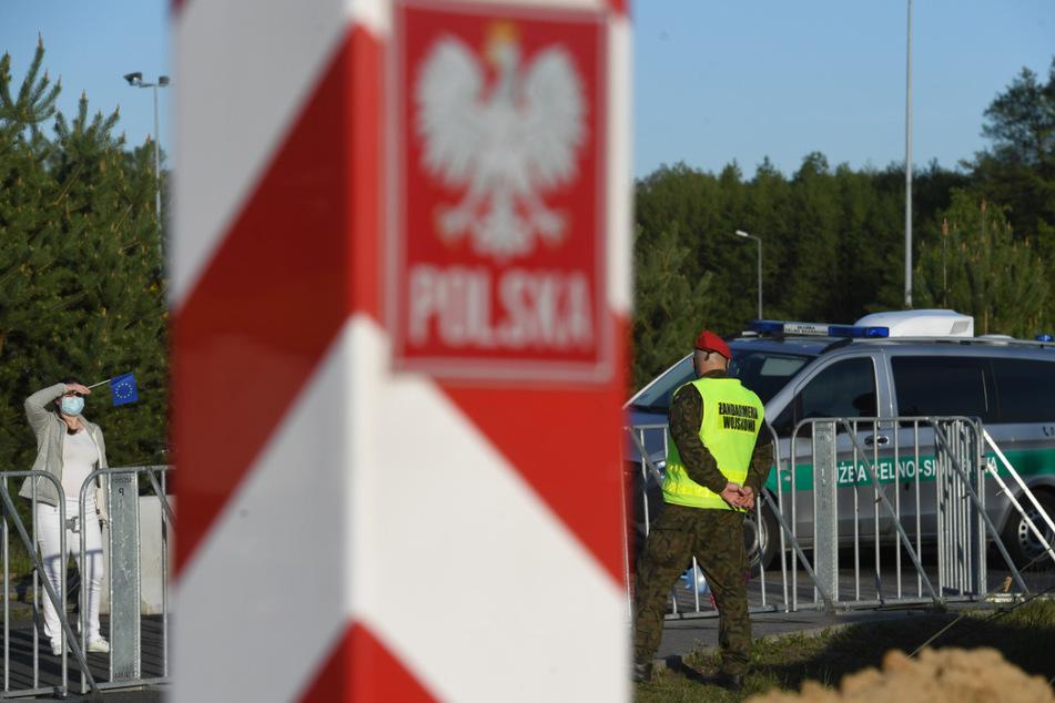 In Polen gilt am Samstag wieder Maskenpflicht in der Öffentlichkeit.