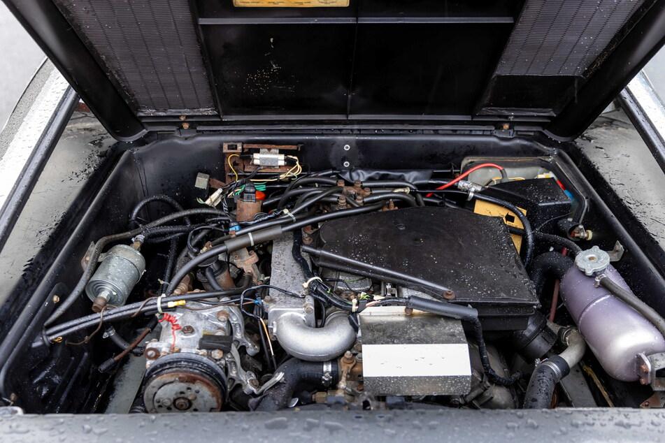Noch befindet sich in dem Sportwagen ein herkömmlicher Verbrennungsmotor.
