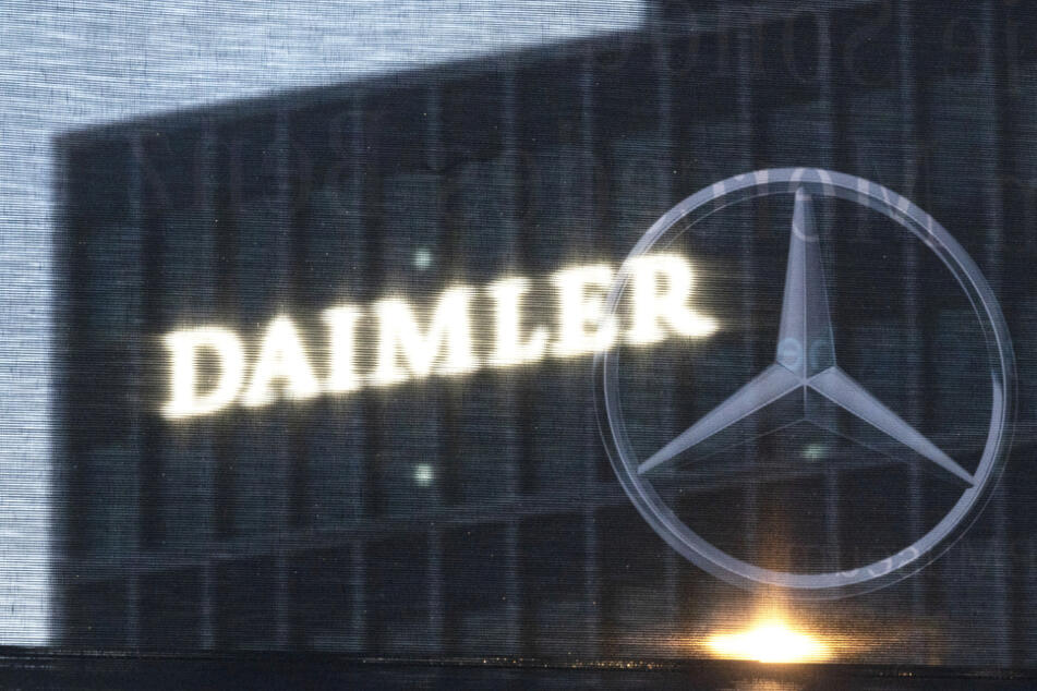 Autowelt im Wandel: Bei Daimler kommt der Name an der Konzernzentrale weg