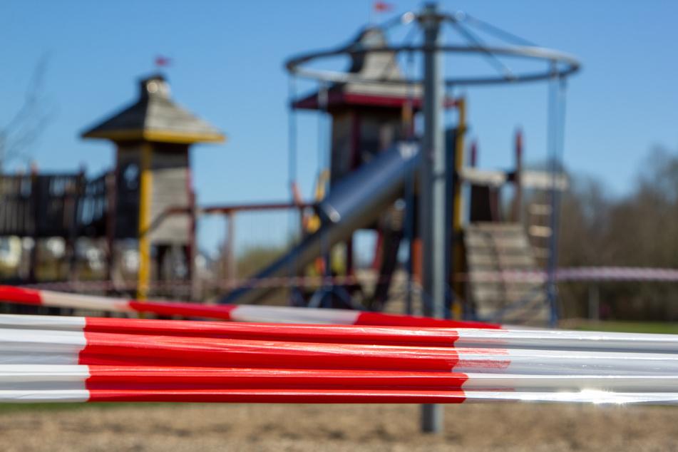 Schock auf Spielplatz: Leiche gefunden