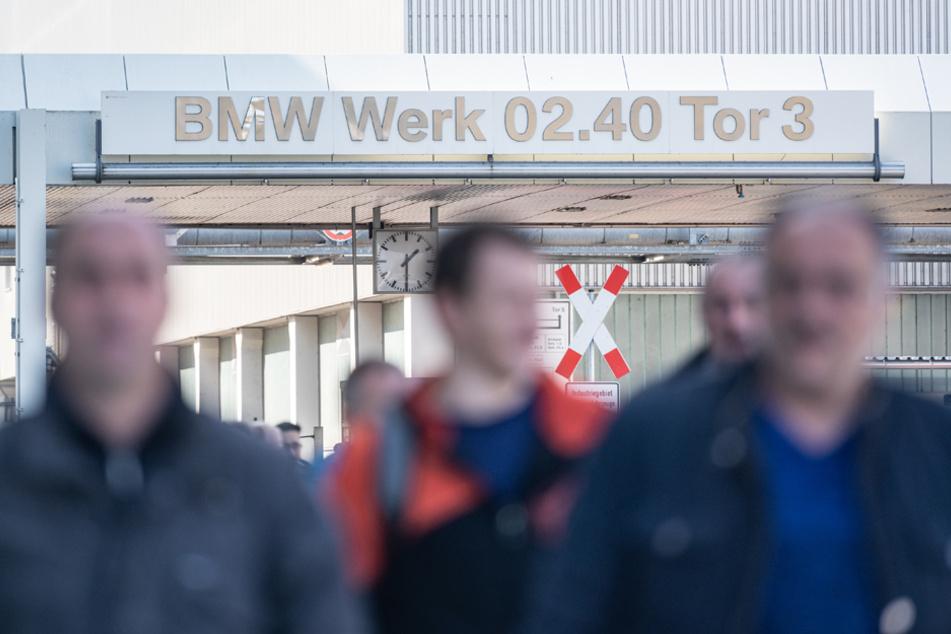 BMW schickt Tausende in Kurzarbeit: Mehrere Standorte in Bayern betroffen