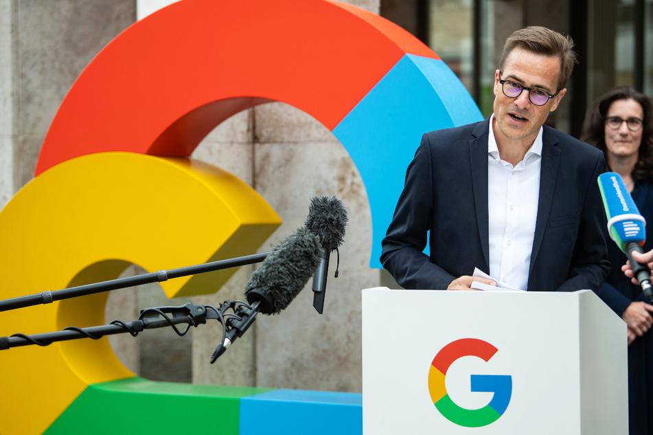 Philipp Justus, Vice President Google Zentraleuropa, spricht anlässlich der Vorstellung des Investitionsplans für Google Deutschland vor der Hauptstadtrepräsentanz von Google in Berlin.