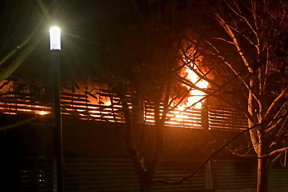 Es brannte auf allen sechs Etagen des Parkhauses.