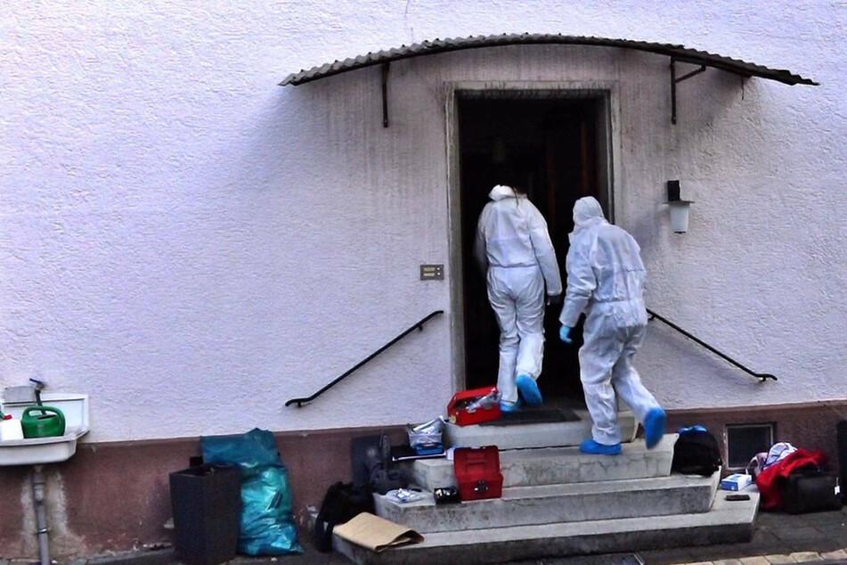 Junger Mann tot in Wohnung aufgefunden: 25-Jähriger festgenommen