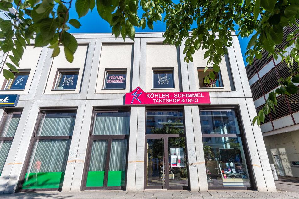 Rosenhof ade: Tanzschule und Tanzshop ziehen um.