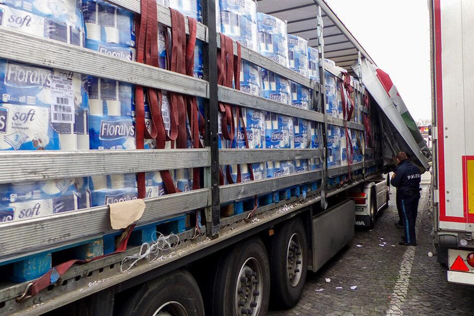 Lkw voller Toilettenpapier sorgt für Polizeieinsatz
