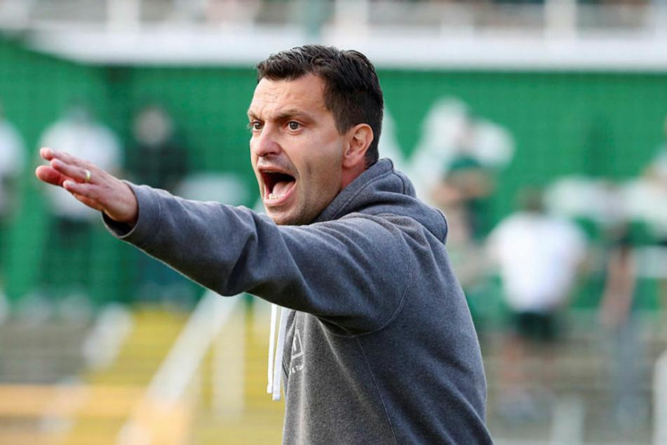 Trainer Miroslav Jagatic hat mit Chemie Leipzig bei Viktoria Berlin die zweite Niederlage hintereinander kassiert. (Archivbild)