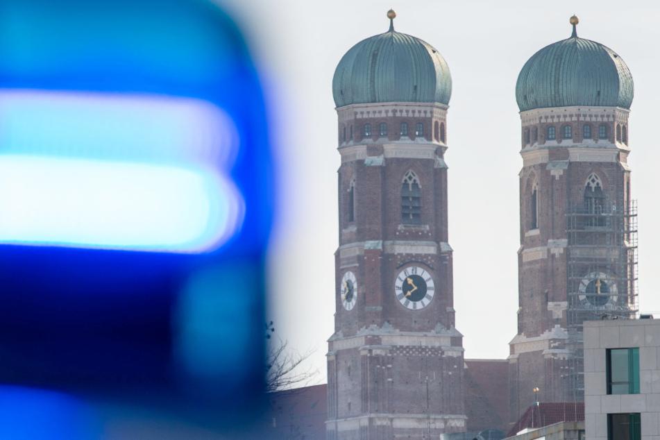 Party trotz Pandemie: Frau flüchtet vor Polizei auf Dach und stürzt ab!