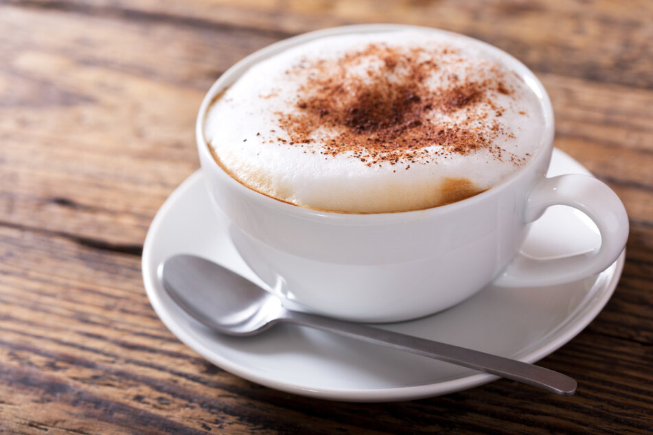 Der Mann bestellte wie üblich einen Kaffee und bezahlte dafür ein großzügiges Trinkgeld. (Symbolbild)