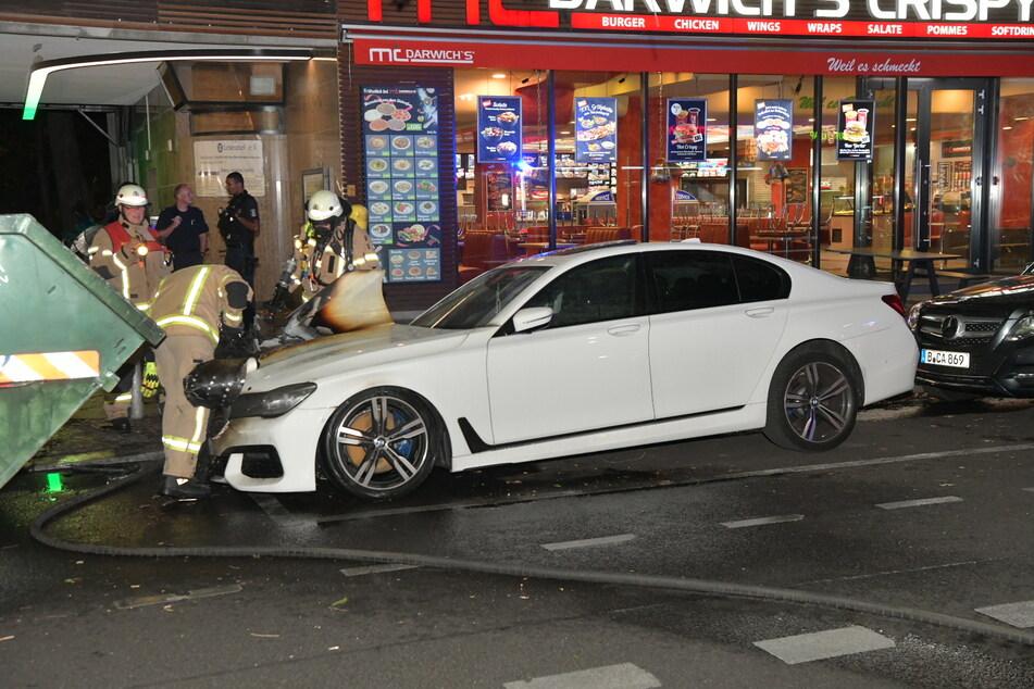 In Berlin-Moabit hat in der vergangenen Nacht dieser BMW gebrannt.