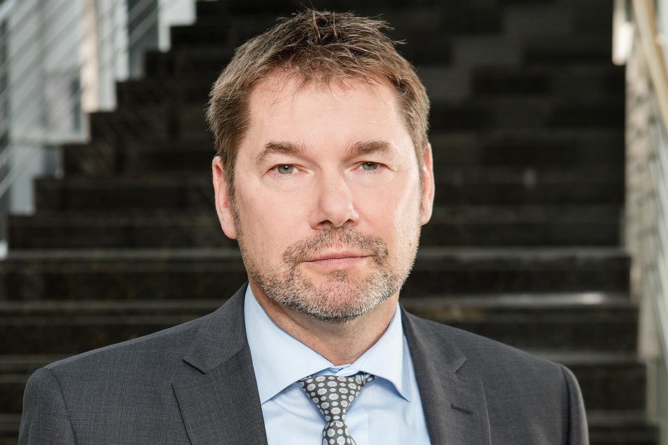 Ingo Wünsch (54), Leiter der NRW-Stabsstelle gegen Kinderpornografie, sieht in der Schulfahndung ein hervorragendes Instrument, Täter zu fassen.