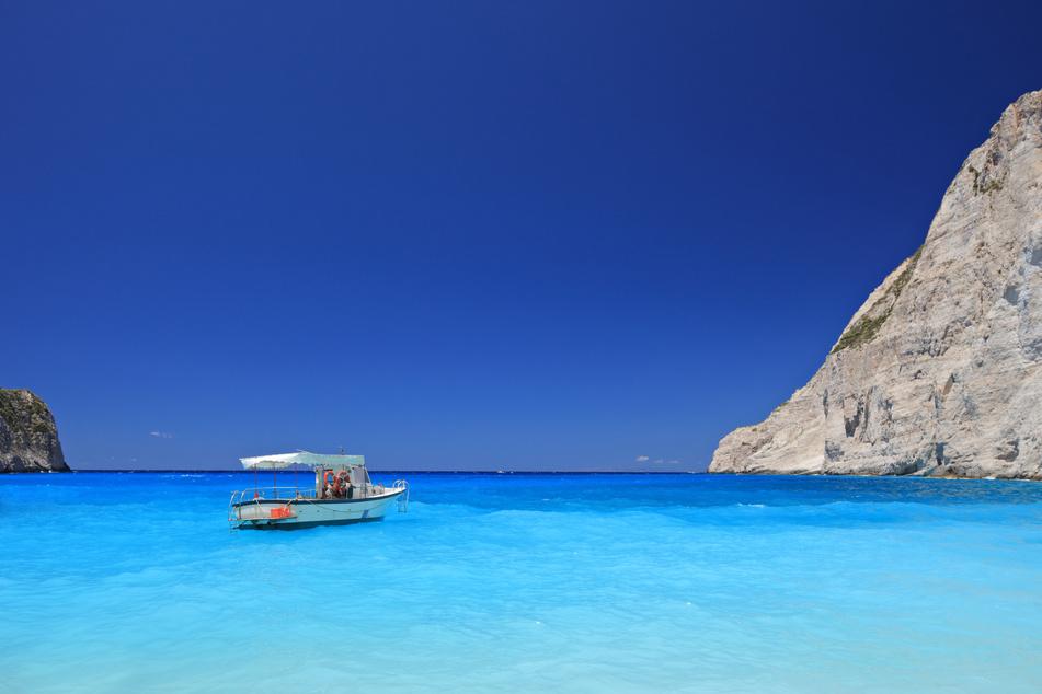 Wenn Himmel und Meer um das schönste Blau kämpfen: Das sieht man nur auf den Ionischen Inseln!