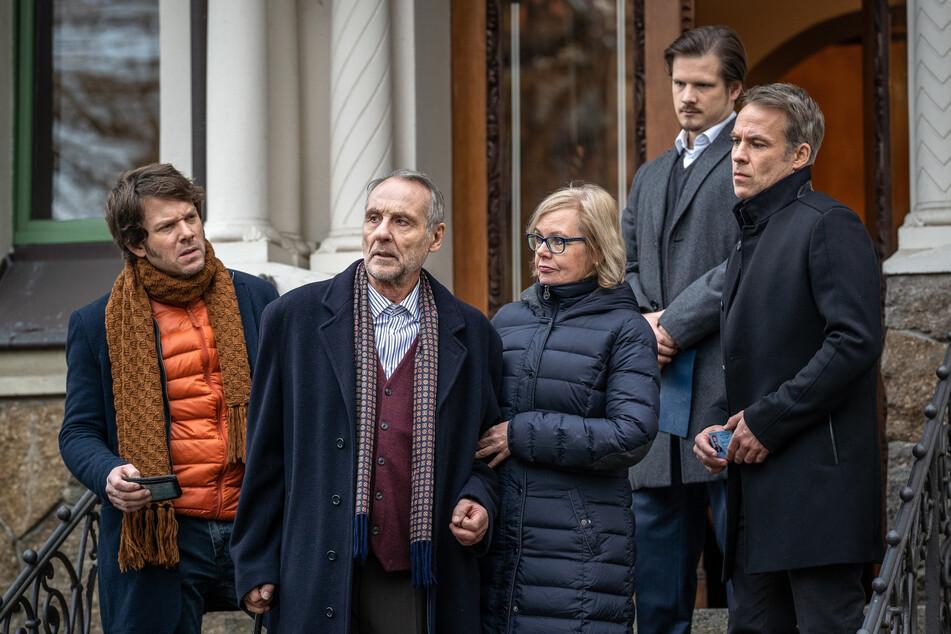Auch der wohlhabende Jürgen Deckstein (2.v.l.) scheint im Umfeld der illegalen Organspenden eine Rolle zu spielen.