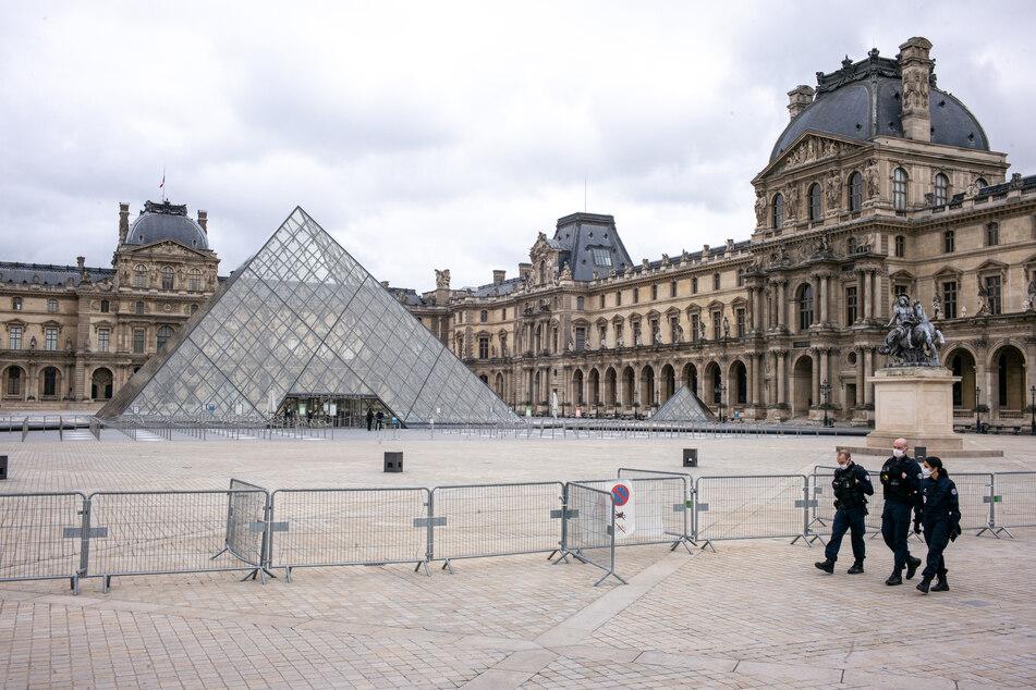 Den Pariser Louvre haben wegen Corona im Jahr 2020 viel weniger Touristen besucht als in den Vorjahren.