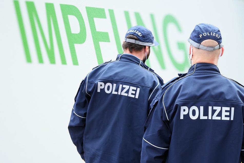 Damit Impfstoff nicht verfällt? Sächsische Polizisten vorzeitig geimpft!