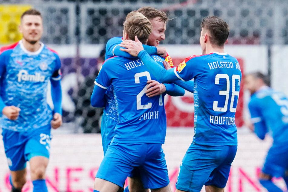 Jubel der Störche: Holstein Kiel hat sich an der Tabellenspitze ein wenig abgesetzt.