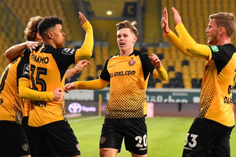 Im November starten die Dynamos - hier (v.l.) Yannick Stark, Ransford-Yeboah Königsdörffer, Julius Kade und Christoph Daferner - einen Siegeszug und kletterten an die Tabellenspitze der 3. Liga.