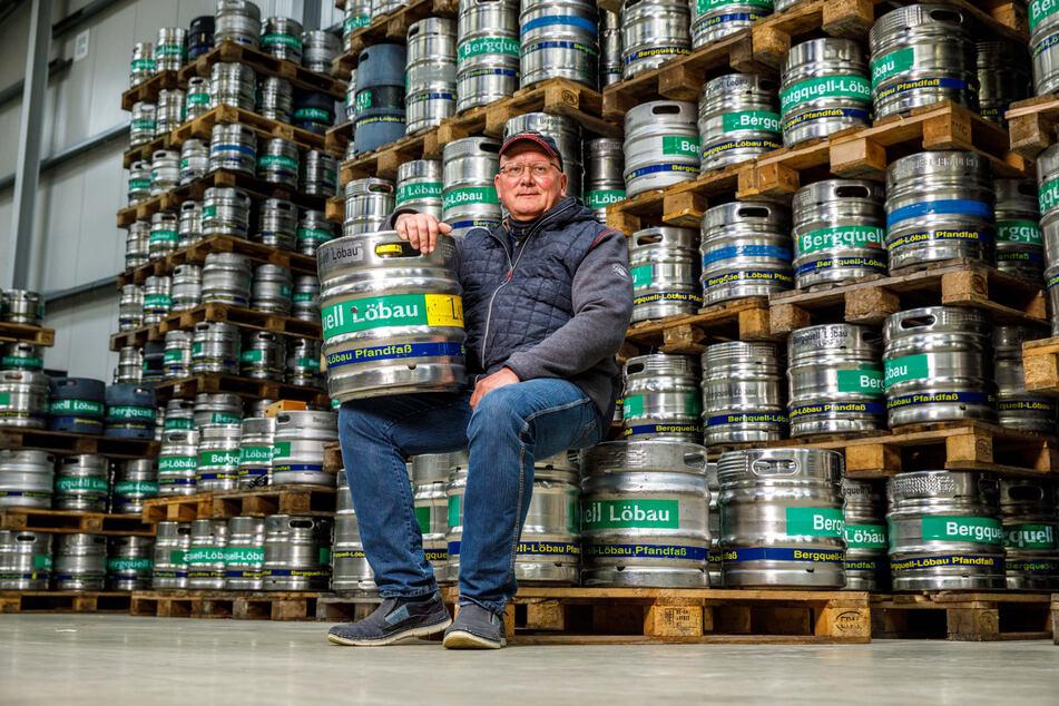 Bergquell-Chef Steffen Dittmar (57) freut sich, dass er endlich wieder die Gastronomie mit Bierfässern beliefern kann.