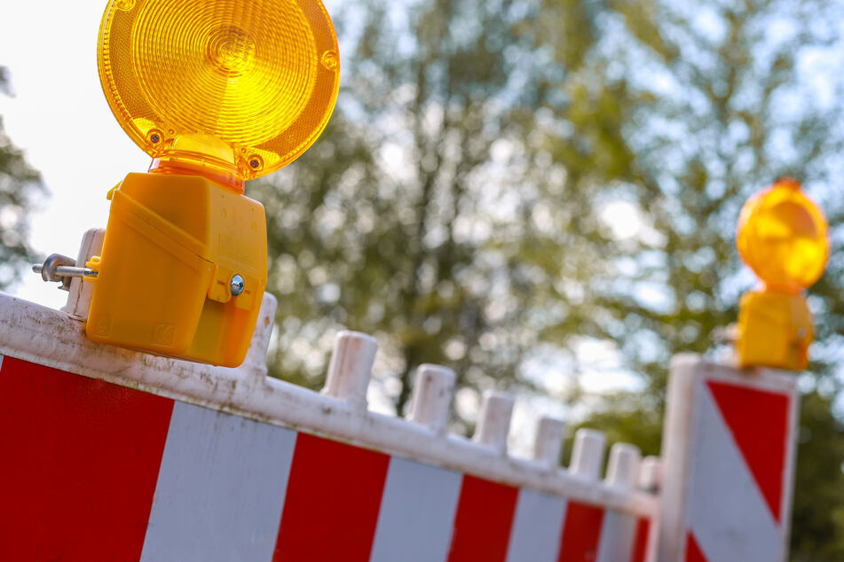 Die B180 in Stollberg wird ab Montag gesperrt. Autofahrer müssen bis zum 5. Mai Umleitungen in Kauf nehmen (Symbolbild).