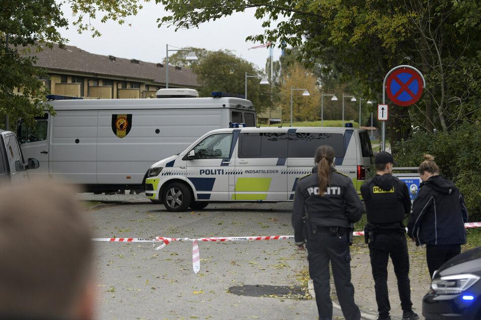 Der Bereich um den Ort der Festnahme herum wurde weitläufig von der Polizei abgesperrt.